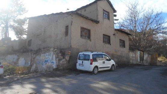 Sivas / Kaleardı Mah. / 483 Ada 2 Parsel / Tescilli Konak
