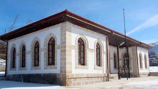 Sivas / İmranlı / 130 Ada 63 Parsel / Karacaören Sibyan Mektebi